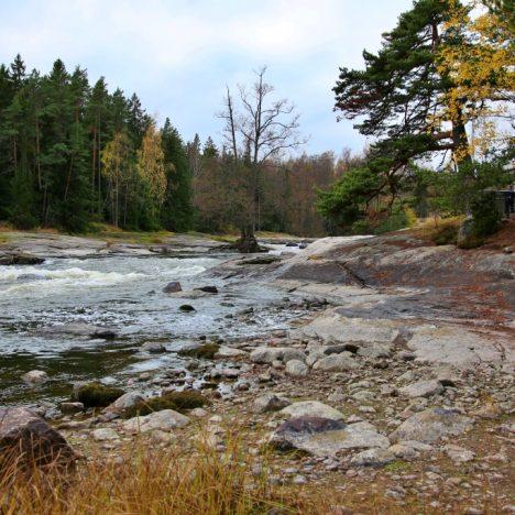 Paistjärven Pirunkirkko ja luontopolku